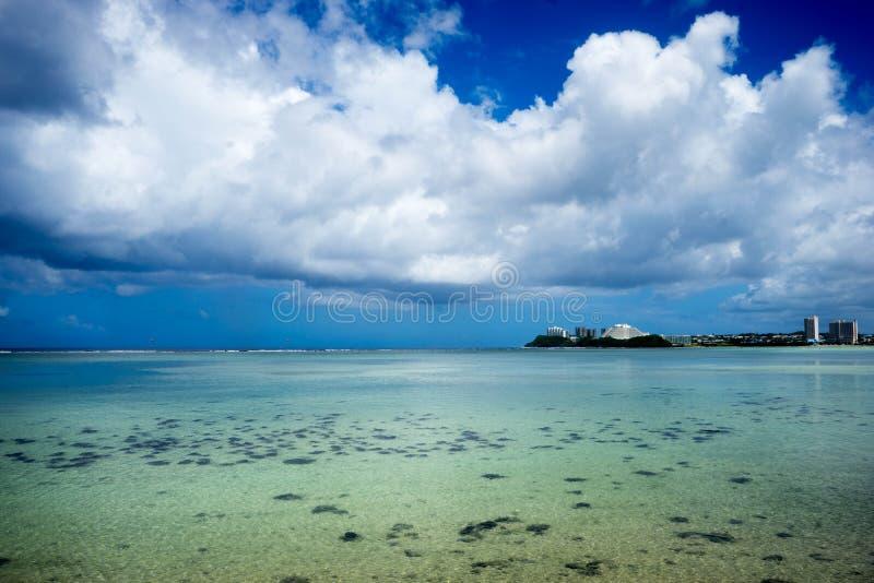 Zona intermareal de Guam foto de archivo