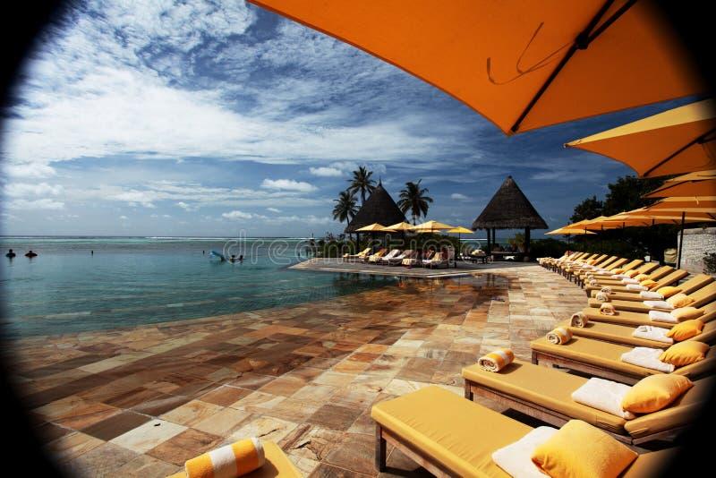 Zona Maldivas de la piscina no croped imagen de archivo