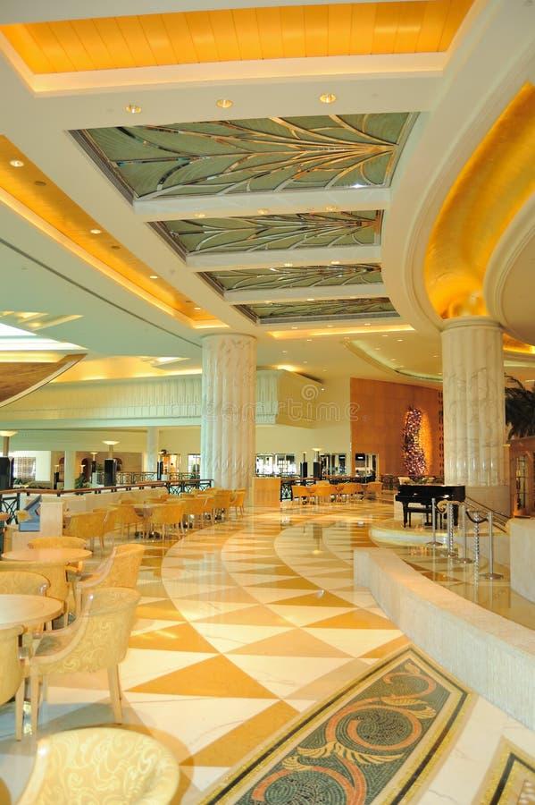 Zone d'entrée de réception dans l'hôtel luxueux photo libre de droits