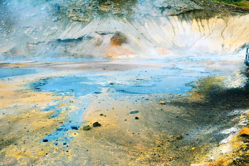 Zone de fumerolle dans Namafjall, Islande photographie stock libre de droits