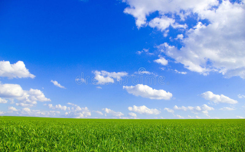 Zone et ciel bleu image libre de droits