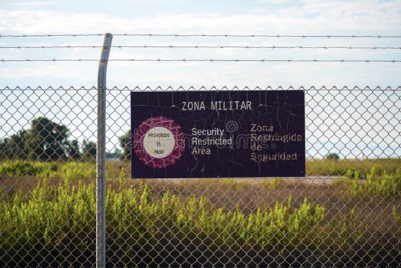 Zone militaire d'accès restreint image stock