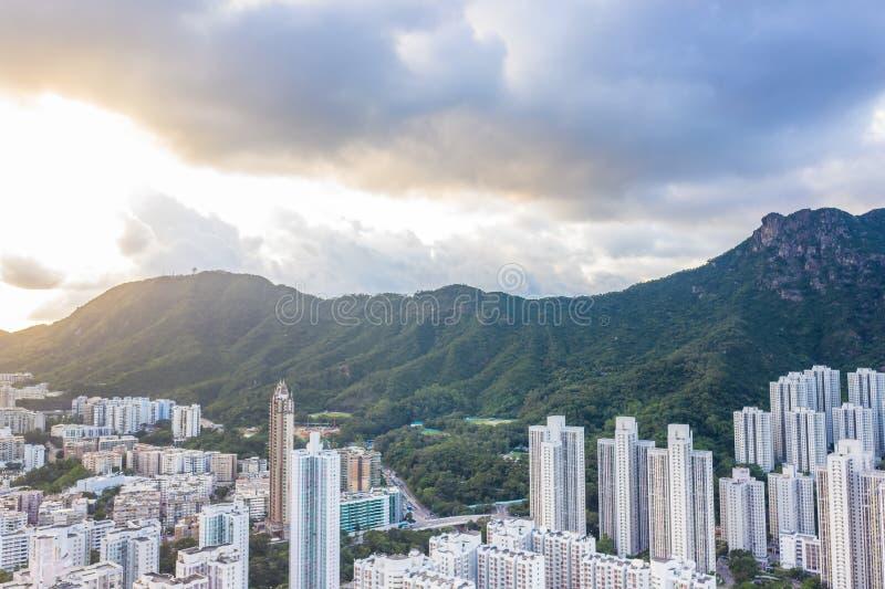 Zone résidentielle sous Lion Rock Mountain, Kowloon, Hong Kong photo libre de droits