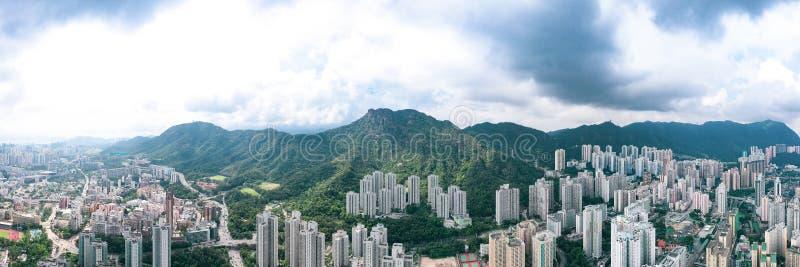 Zone résidentielle sous Lion Rock Mountain, Kowloon, Hong Kong image stock