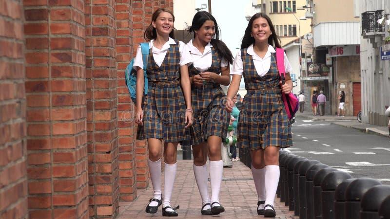 Zone urbaine d'étudiantes photos libres de droits