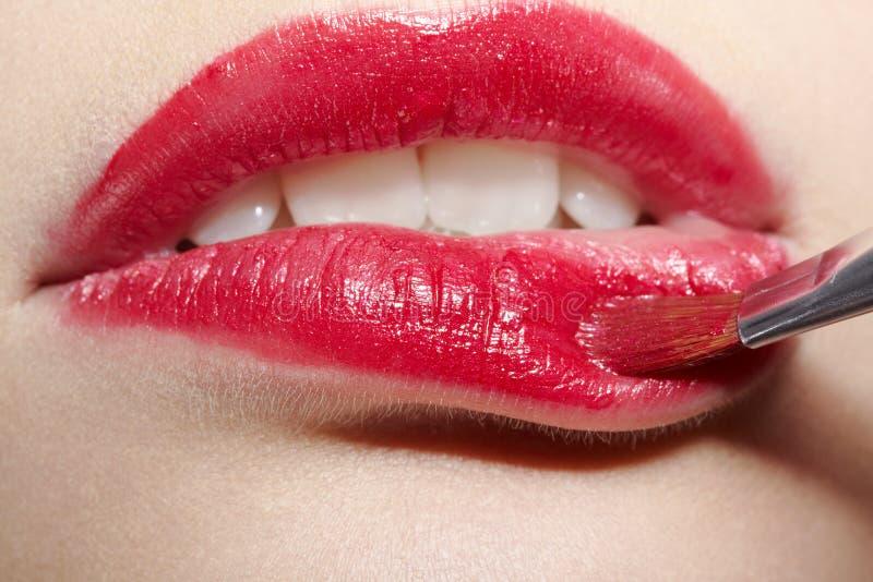 Zonenverfassung des Mädchens Lippen lizenzfreies stockbild