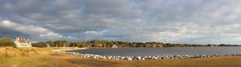 Zongolven Water Wolken royalty-vrije stock afbeeldingen