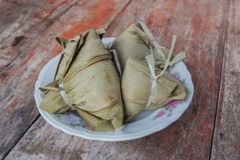 Zongzi, gnocchi cinesi asiatici del riso fotografie stock