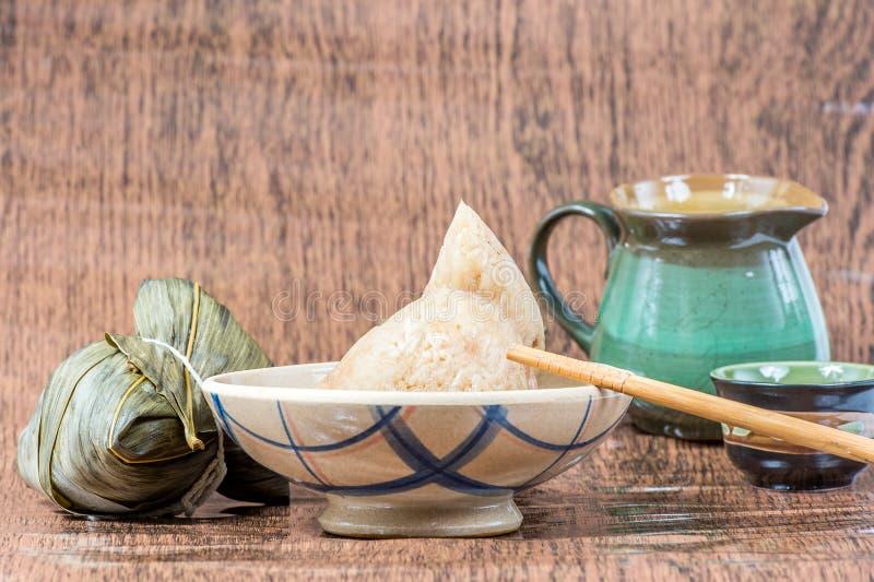 Zongzi o bola de masa hervida del arroz pegajoso imagen de archivo libre de regalías