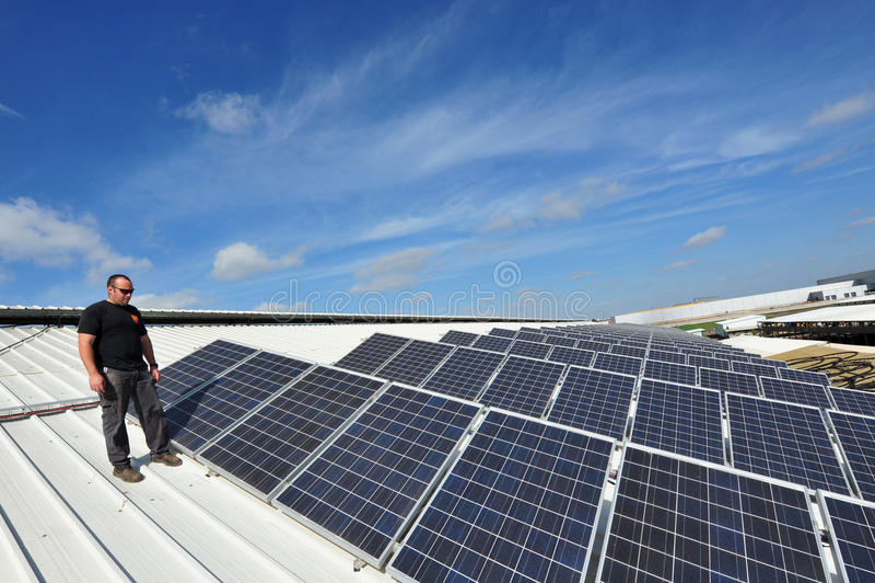 Zonne-energie - Groene Elektriciteit stock fotografie