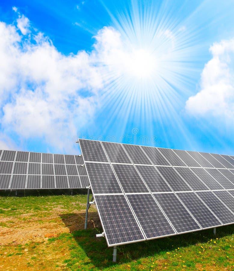 Zonne-energiepanelen. stock illustratie