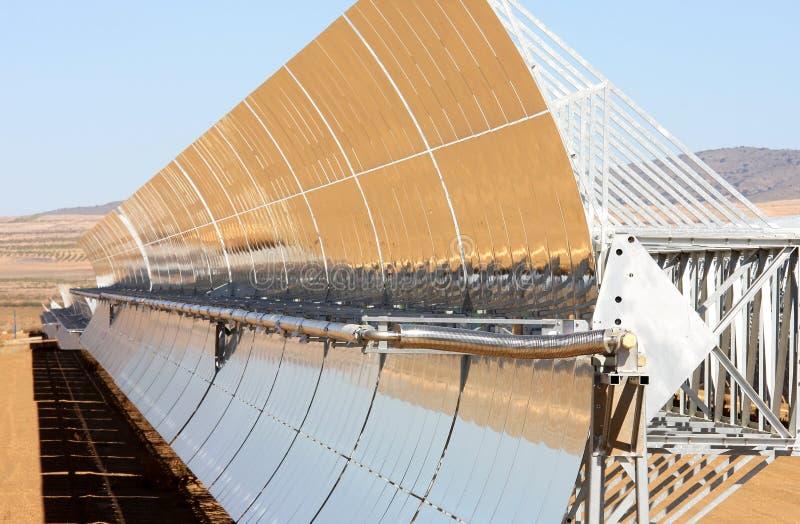 Zonne krachtcentrale dichtbij Guadix, Andalusia, Spanje stock foto's