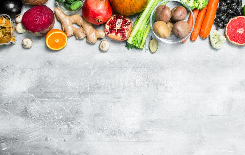 Zonnebloemzaden - zaadfonds Groot assortiment van gezonde vruchten en groenten royalty-vrije stock foto's