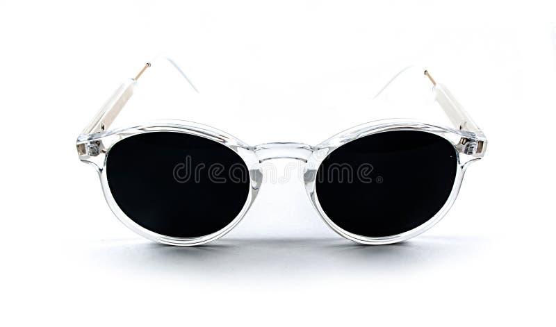 Zonnebril die op wit wordt geïsoleerd stock afbeelding