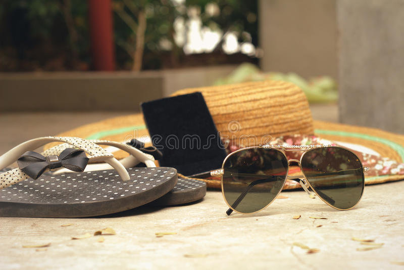 Zonnebril met de toebehorenzomer royalty-vrije stock foto's