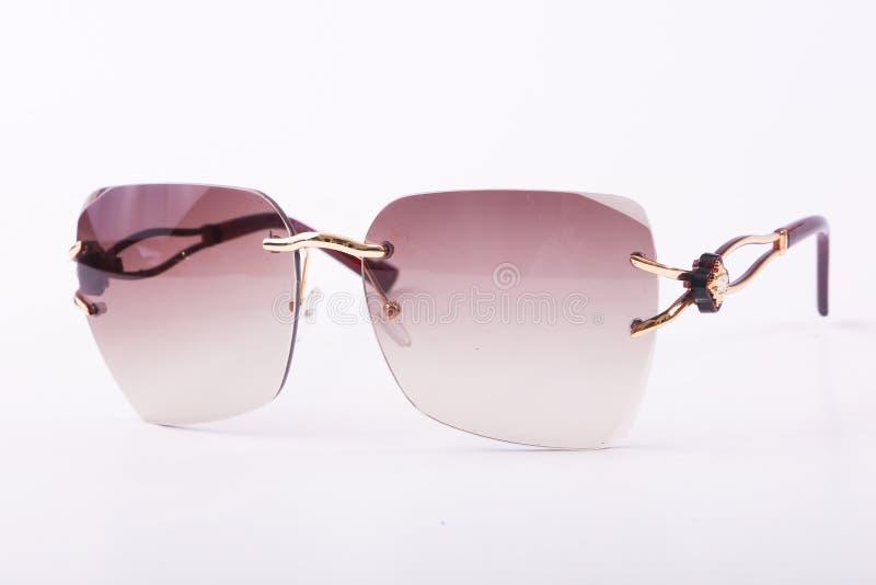 Zonnebril voor moderne vrouwen stock foto