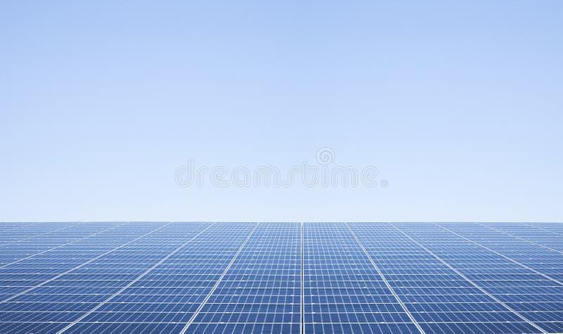 Zonnecellen op dak royalty-vrije stock afbeeldingen