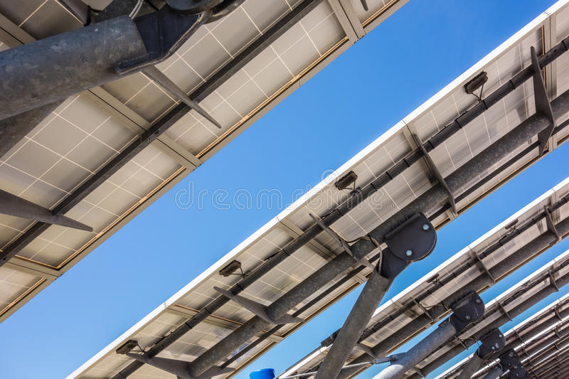 Zonnepaneelrug stock afbeelding