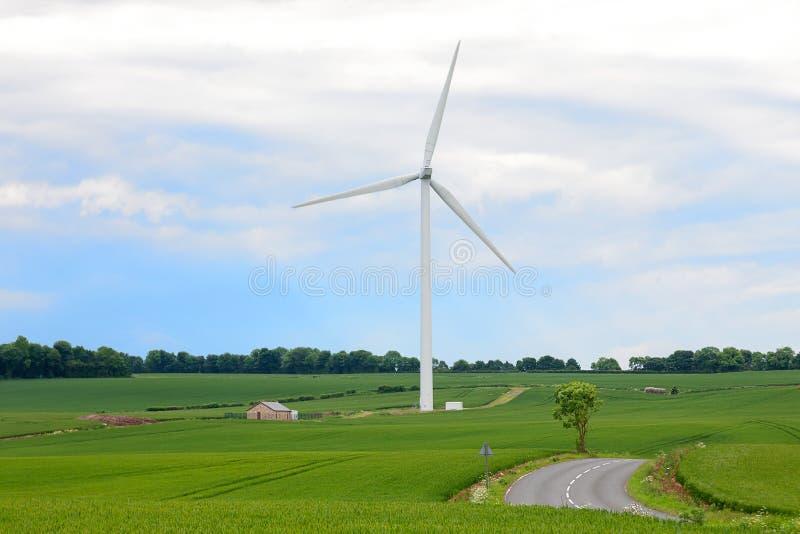 Zonnepanelen - een alternatieve energiebron Milieuvriendelijke transportmiddelen en vernieuwbare energie royalty-vrije stock fotografie