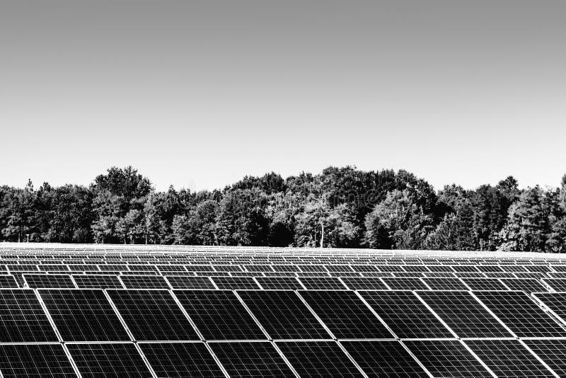 Zonnepanelen in Frankrijk stock afbeelding