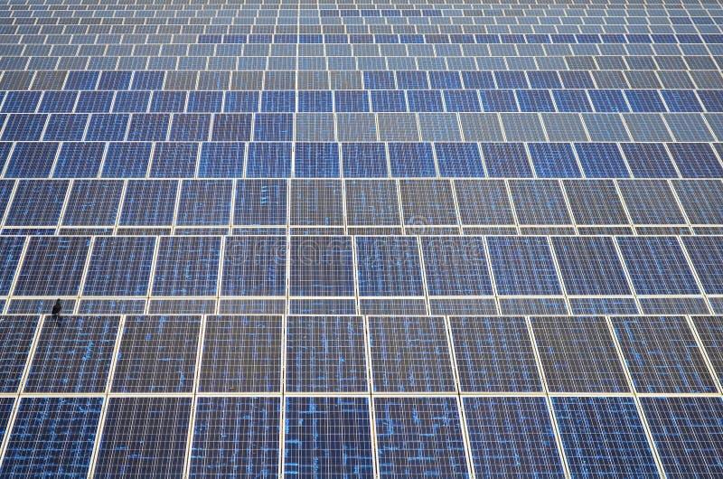 Zonnepanelen in Thailand, zonne-energie royalty-vrije stock afbeelding