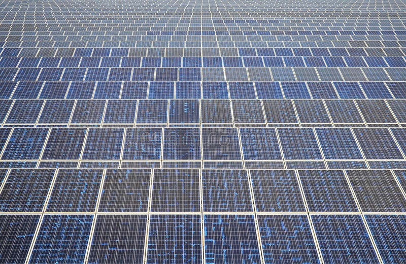 Zonnepanelen in Thailand, zonne-energie stock fotografie