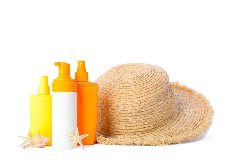 Zonneschermnevels met zeesterren en strohoed op witte achtergrond wordt geïsoleerd die De vakantie van de zomer royalty-vrije stock afbeelding