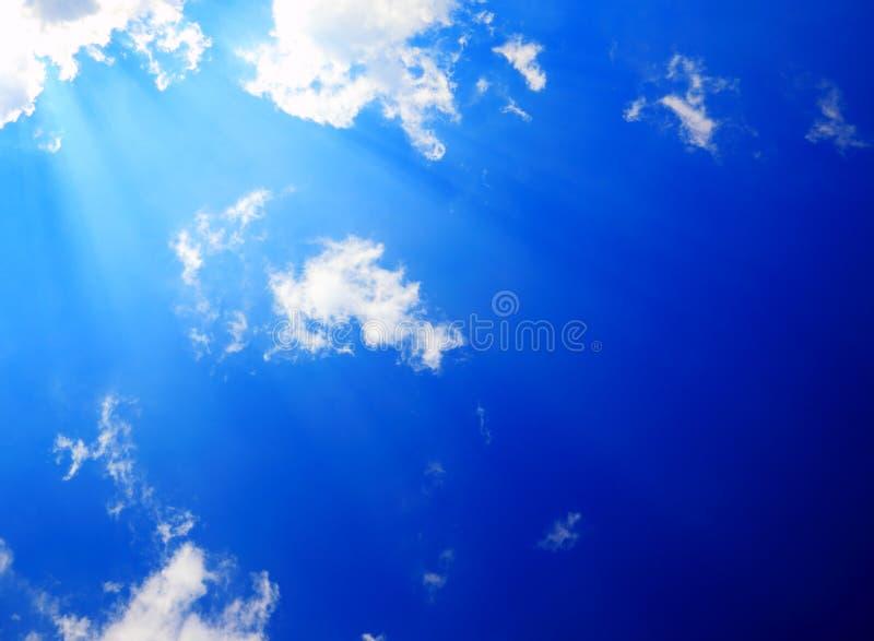 Zonneschijn in hemel royalty-vrije stock afbeeldingen