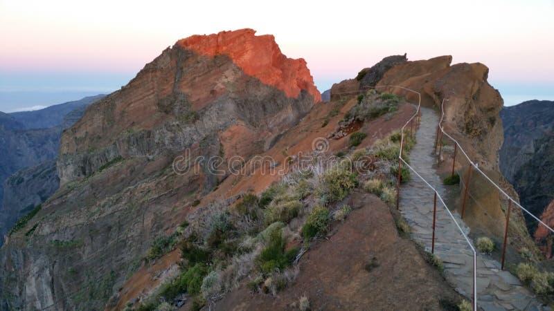 Zonneschijn op de piek van Pico Arieiro, Madera royalty-vrije stock foto's