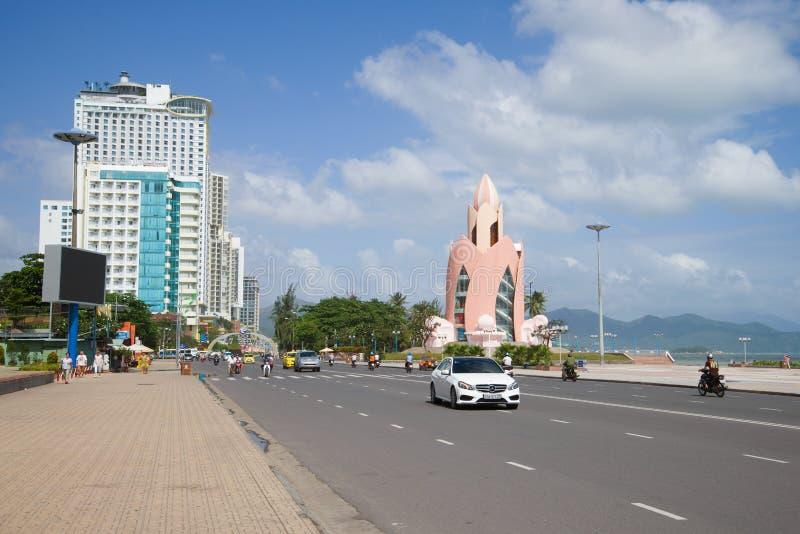 Zonnige dag op de stadsstraat Vietnam, Nha Trang royalty-vrije stock afbeelding