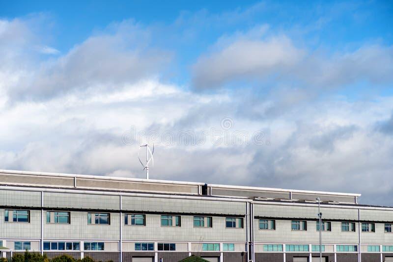 Zonnige dagmening van de moderne bedrijfs collectieve bureaubouw in Engeland het UK van Northampton royalty-vrije stock afbeelding