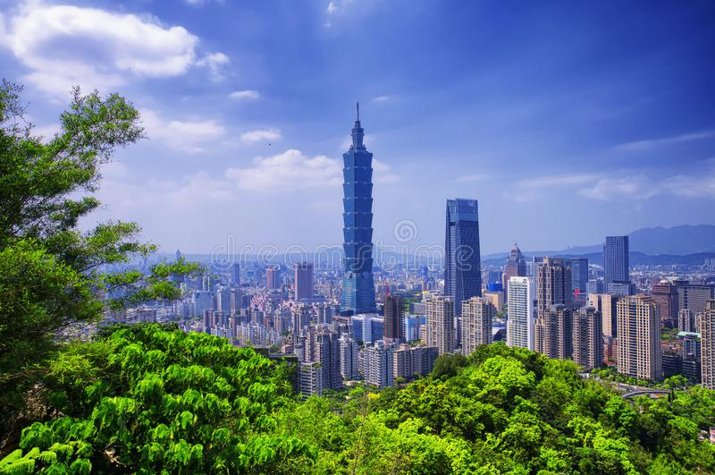 Zonnige de Horizon van de stadstaiwan van Taipeh stock afbeeldingen