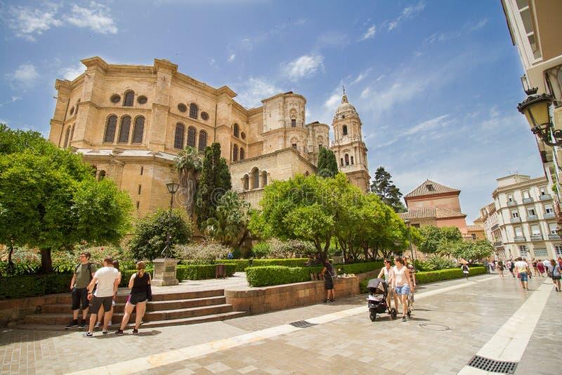 Zonnige de tempel van de Catedralde Malaga kathedraal stock fotografie