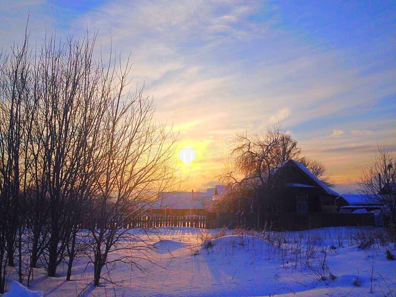 Zonnige de winterdag in februari royalty-vrije stock fotografie