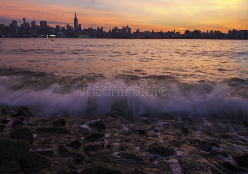 Zonnige horizon van New York royalty-vrije stock fotografie
