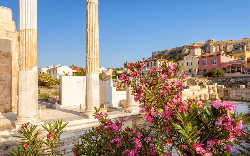 Zonnige mening van de Bibliotheek van Hadrian, Athene, Griekenland royalty-vrije stock foto's