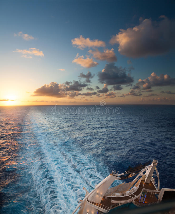 Zonsondergang aan boord royalty-vrije stock foto's