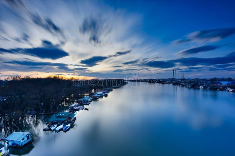 Zonsondergang in Belgrado stock afbeelding