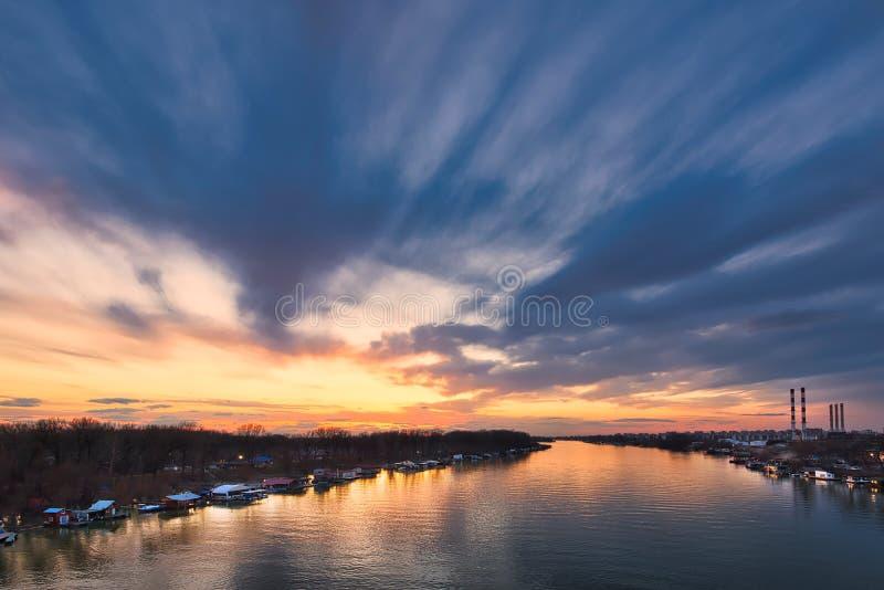 Zonsondergang in Belgrado stock fotografie