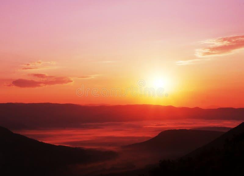 Zonsondergang in berg royalty-vrije stock foto