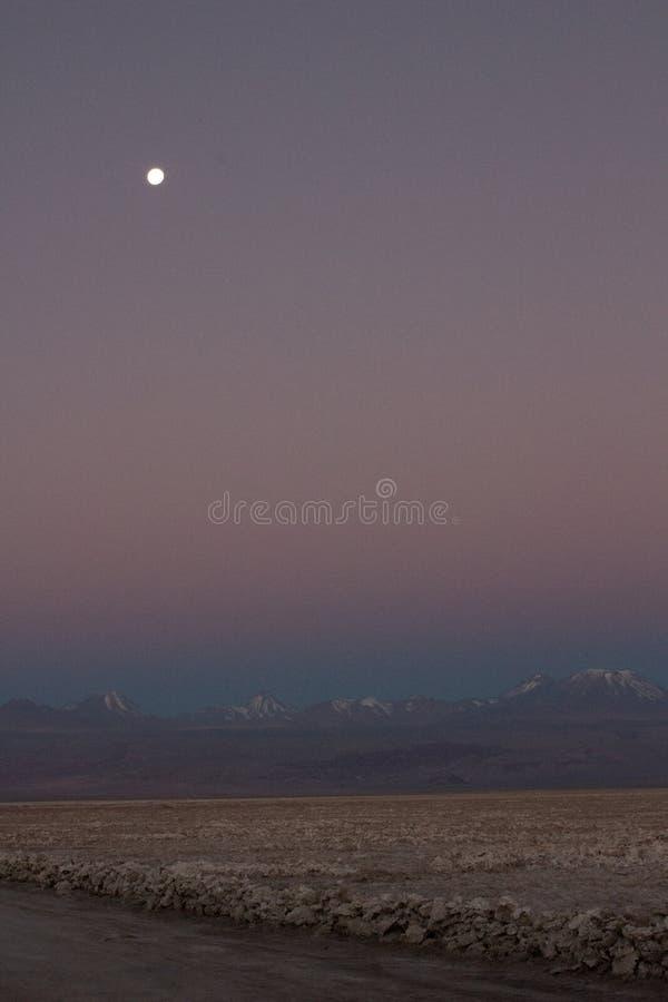 Zonsondergang bij atacamawoestijn stock fotografie