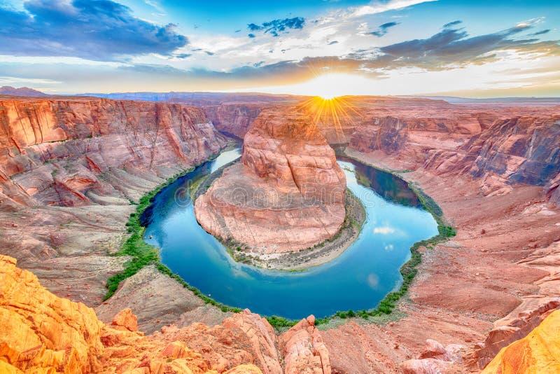 Zonsondergang bij beroemde hoefijzerkromming dichtbij Pagina, Arizona de V.S. royalty-vrije stock fotografie