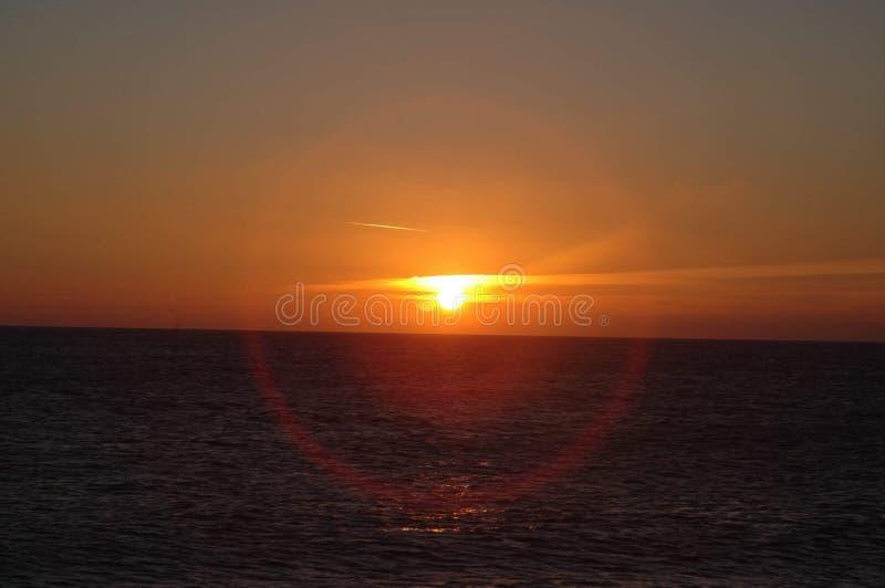 Download Zonsondergang Bij Chesilstrand Stock Afbeelding - Afbeelding bestaande uit dans, nacht: 107700807
