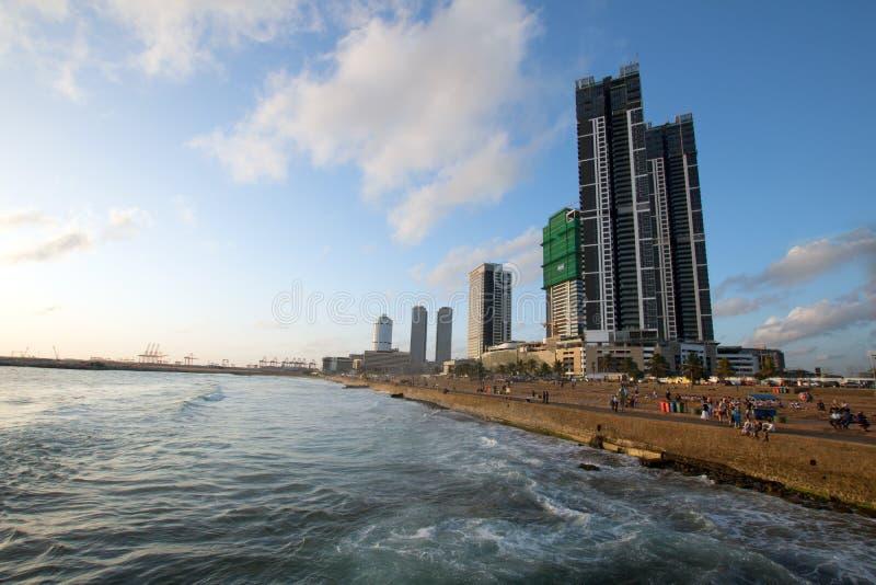 Zonsondergang bij het Galle-gebied van het Gezichts beachfront stedelijke park in Colombo Sri Lanka stock afbeelding