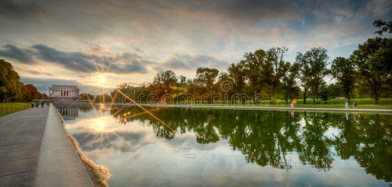 Zonsondergang bij het Gedenkteken van Lincoln stock foto's