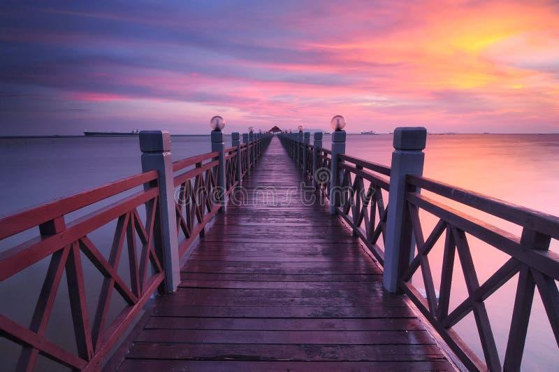Zonsondergang bij johor Maleisië van pier tanjung piai royalty-vrije stock foto