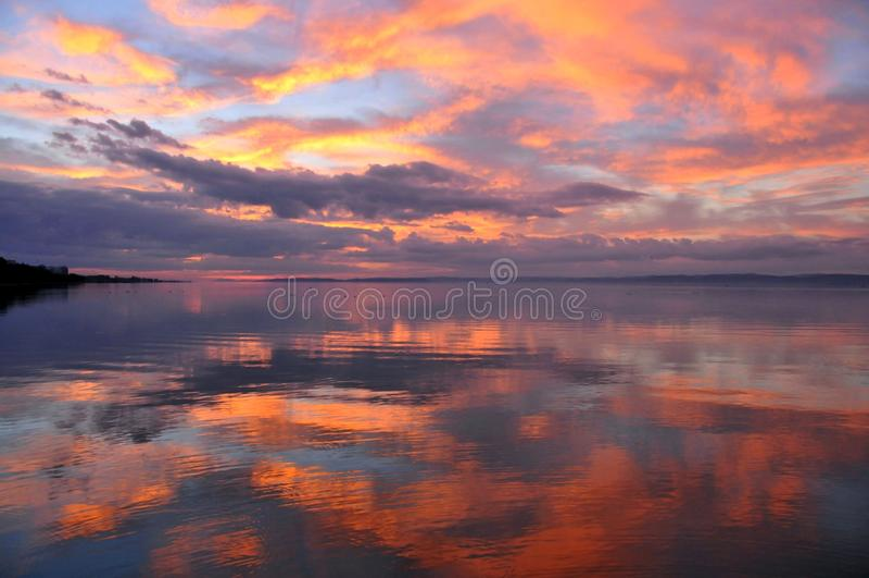 Zonsondergang bij Meer Balaton royalty-vrije stock foto