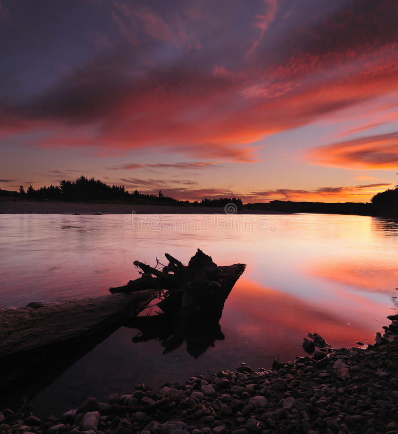 Zonsondergang bij Rivier Manawatu royalty-vrije stock foto's