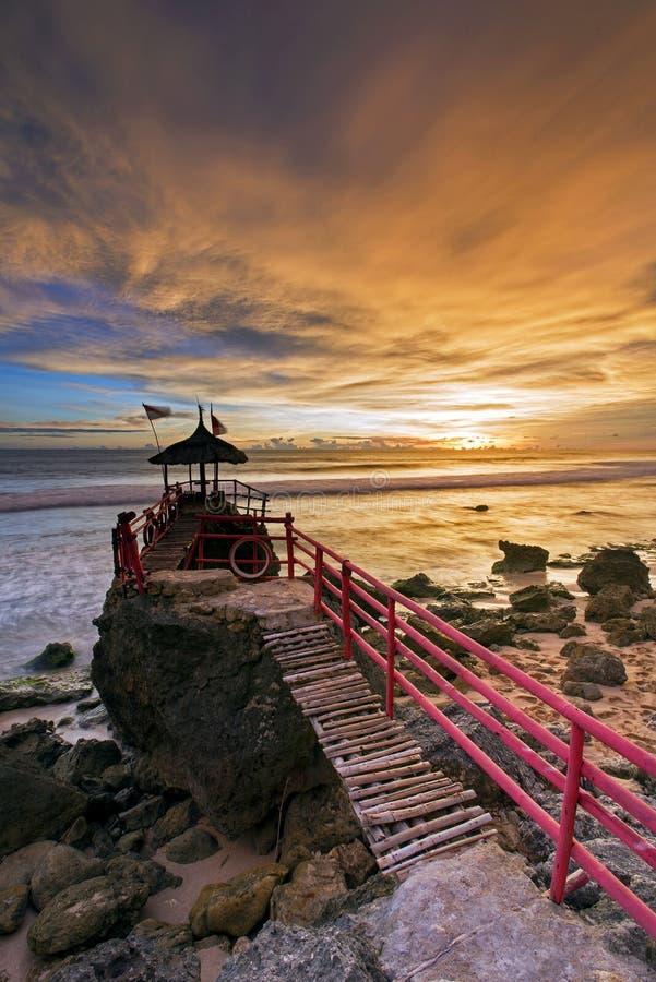 Zonsondergang bij Watulawang-Strand, Yogyakarta, Indonesië royalty-vrije stock fotografie