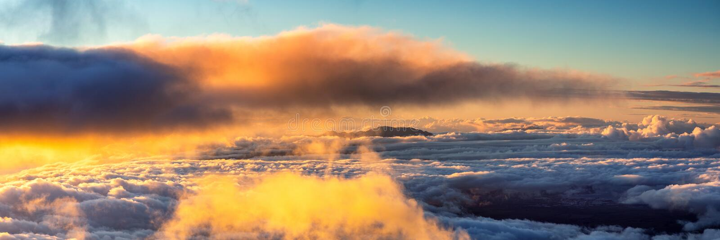 Zonsondergang bovenop Halekala stock fotografie